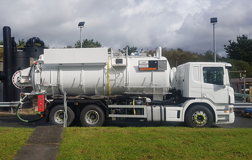 3000 gallon Scania Jet Vac ADR