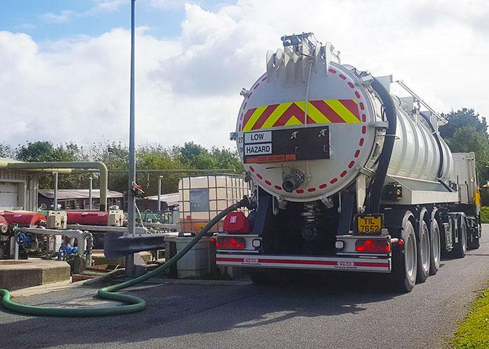 fuel uplift tanker